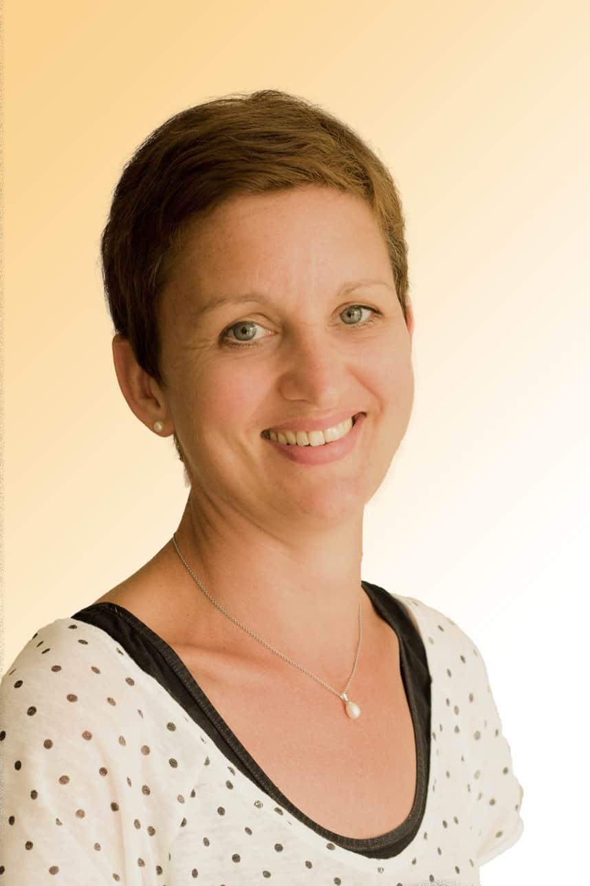 Simone Neumaier, Verwaltung