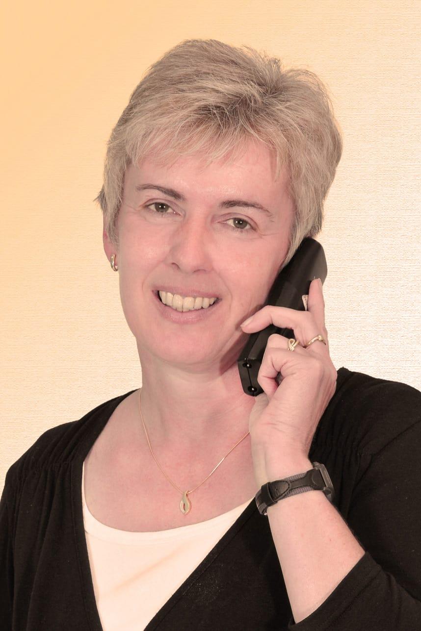 Irene Sattes, Verwaltung
